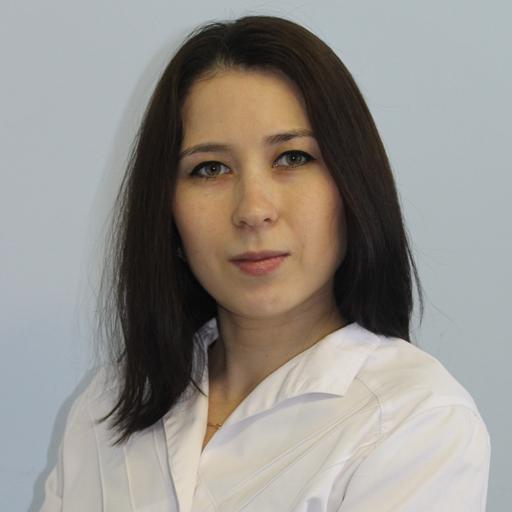 Хайдарова Алина Данисовна, старшая медсестра, стаж 8 лет